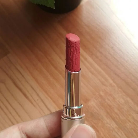 Wardah Long Lasting Lipstick, shade Vibrant Red